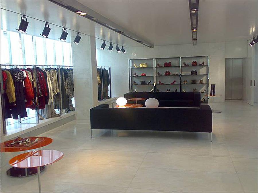 Showroom D&G – linea giovane – Milano